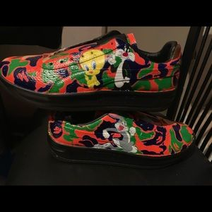 Custom Made Looney Tunes Pumas | Poshmark
